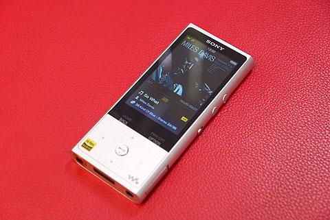 NW-ZX100-01.jpg