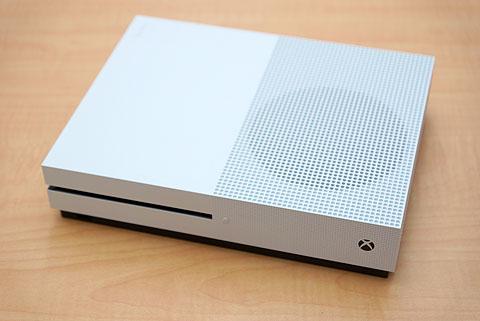 XboxOneS-07.jpg