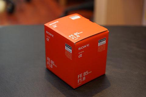 SEL85F18-01.jpg